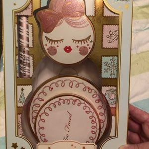Too Faced Let It Snow Girl set